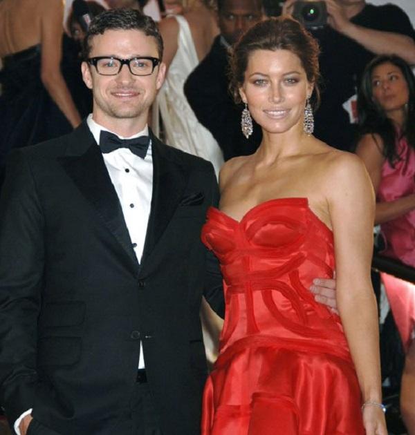 Justin Timberlake Pampers Pregnant Wife Jessica Biel